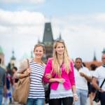 Women sightseeing in Prague — Stock Photo