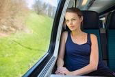 женщина, путешествия на поезде — Стоковое фото