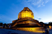 Wat Chedi Luang temple at sunset, Chiang Mai, Thailand. — Stock Photo