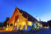 タイのチェンマイ寺夜です。 — ストック写真