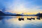 морской пейзаж природа фон с лодки — Стоковое фото