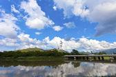 パノラマの風景を見ると澄んだ青い空 — ストック写真