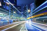 Provoz mezi města v noci — Stock fotografie