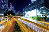 Centrum ruchu w nocy miasto nowoczesne — Zdjęcie stockowe