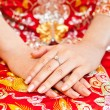 Chinese bride hand with ring — Stock Photo