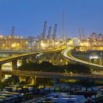 Hong Kong bridge and cargo terminal — Stock Photo