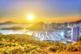Sunset at Aberdeen harbor in Hong Kong — Stock Photo
