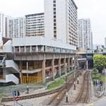Hong Kong downtown apartments and traffic — Stock Photo #9923888