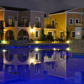 Hotel pool area in the evening — Stock Photo