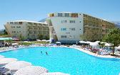 Otelin yüzme havuzu. — Stok fotoğraf