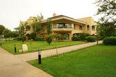 Villa and garden. — Stock Photo