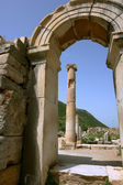 Old arch in Efes. — Stock Photo