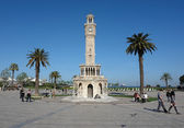 Placer avec la tour de l'horloge à izmir. — Photo