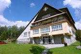 Construction de l'hôtel dans les tatras slovaques. — Photo