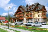 Byggnaden av hotel i slovakiska berg. — Stockfoto
