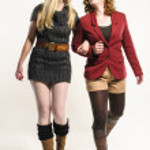 iki kız sonbahar giyim eşyası — Stok fotoğraf