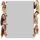 Segurando o cartaz vazio — Foto Stock