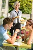 Couple waiting waitress sandwich lunch restaurant — Stock Photo