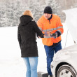 Woman handshake mechanic broken car winter help — Stock fotografie