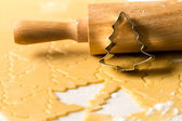 Baking christmas cookies dough rolling pin — Stock Photo