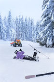 Ski patrol rescue injured skier after accident — Stock Photo