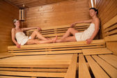 Women relaxing in sauna — Stockfoto