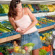 Grocery store shopping - Mother with child — Stock Photo #4684518
