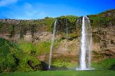 Fantastiska vattenfall på island — Stockfoto