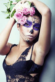 Girl with the strange makeup with flowers — Foto Stock