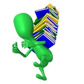 Cucciolo di vista trasportare pesante colonna di libri — Foto Stock