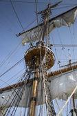Mast of old and beatiful sailing ship — Stock Photo