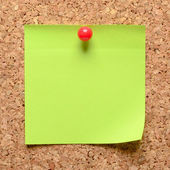 Sticky note on cork board — Stock Photo
