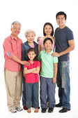 Estudio de longitud completa la foto de familia china multigeneración — Foto de Stock