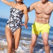 Senior Couple Enjoying Beach Holiday — Stock Photo