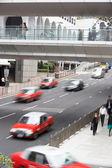 Trafik meşgul hong kong cadde boyunca — Stok fotoğraf