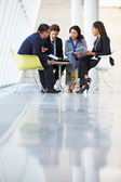 Businesspeople Having Meeting In Modern Office — Foto de Stock