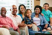 Porträtt av multi generation familj — Stockfoto