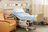 Empty Bed On Hospital Ward — Stock Photo