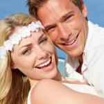 Couple At Beautiful Beach Wedding — Stock Photo #25049301