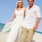 Couple At Beautiful Beach Wedding — Stock Photo #25049539