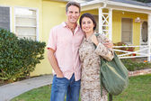 Husband Welcoming Wife Home On Army Leave — Foto de Stock