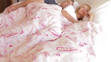 Sleeping senior couple — Stock Video
