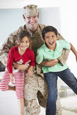 Children Greeting Military Father Home On Leave — Stock Photo