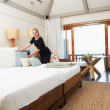 Hotel Chambermaid Making Guest Bed — Stock Photo