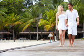 Couple Walking On Wooden Jetty — Foto Stock