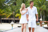 Couple Walking On Wooden Jetty — Foto de Stock