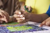 женщины ручное шитье — Стоковое фото