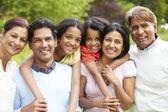 Muti-generatie indiase familie — Stockfoto