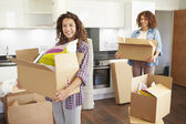 Two Women Moving Into New Home — Stock Photo
