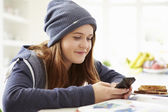 Teenage Girl Sending Text Message — Stock Photo
